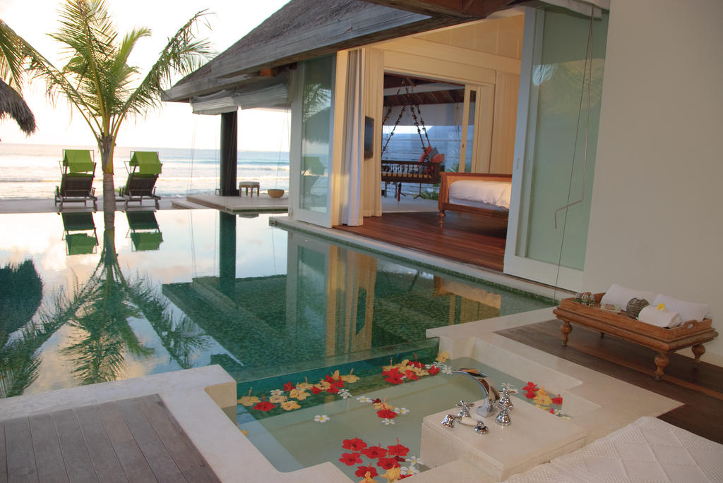 Naladhu resort in maldives for honeymoon