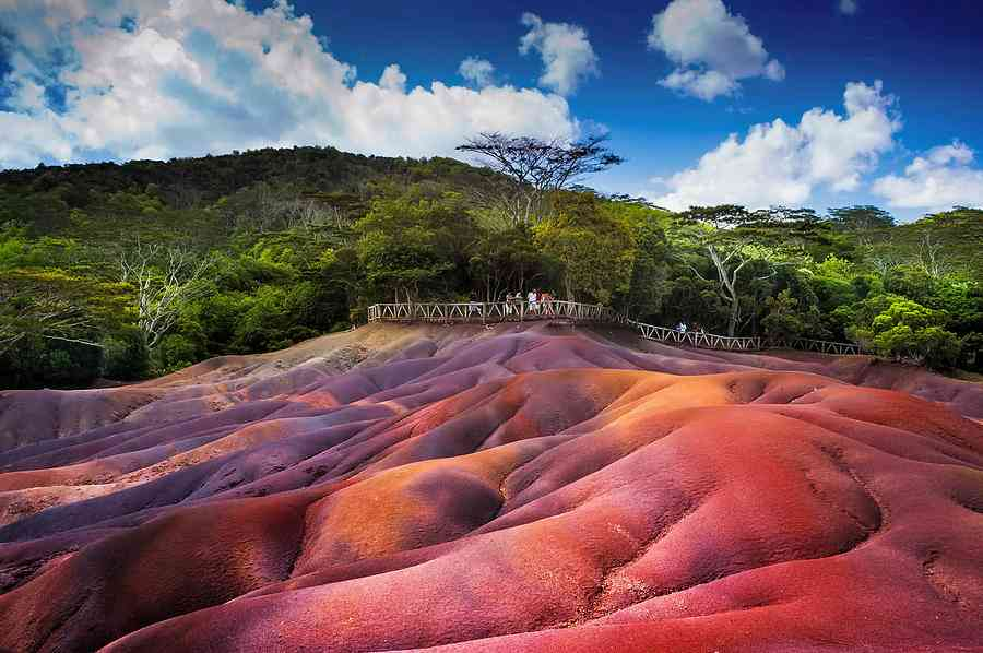 Explore the ChamarelColored Sands