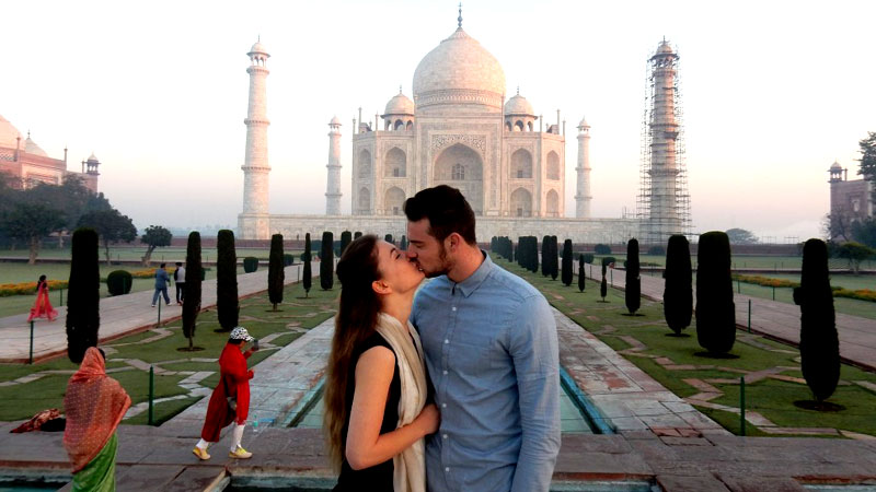 honeymoon in Taj Mahal