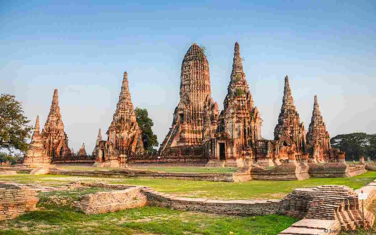 wat chaiwatthanaram temple thailand-compressed