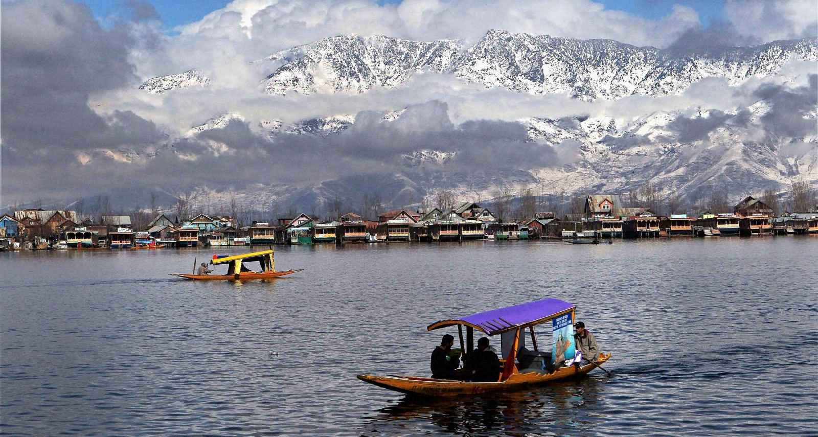 Astonishing beauty of Indian Lakes lies beside the Palaces