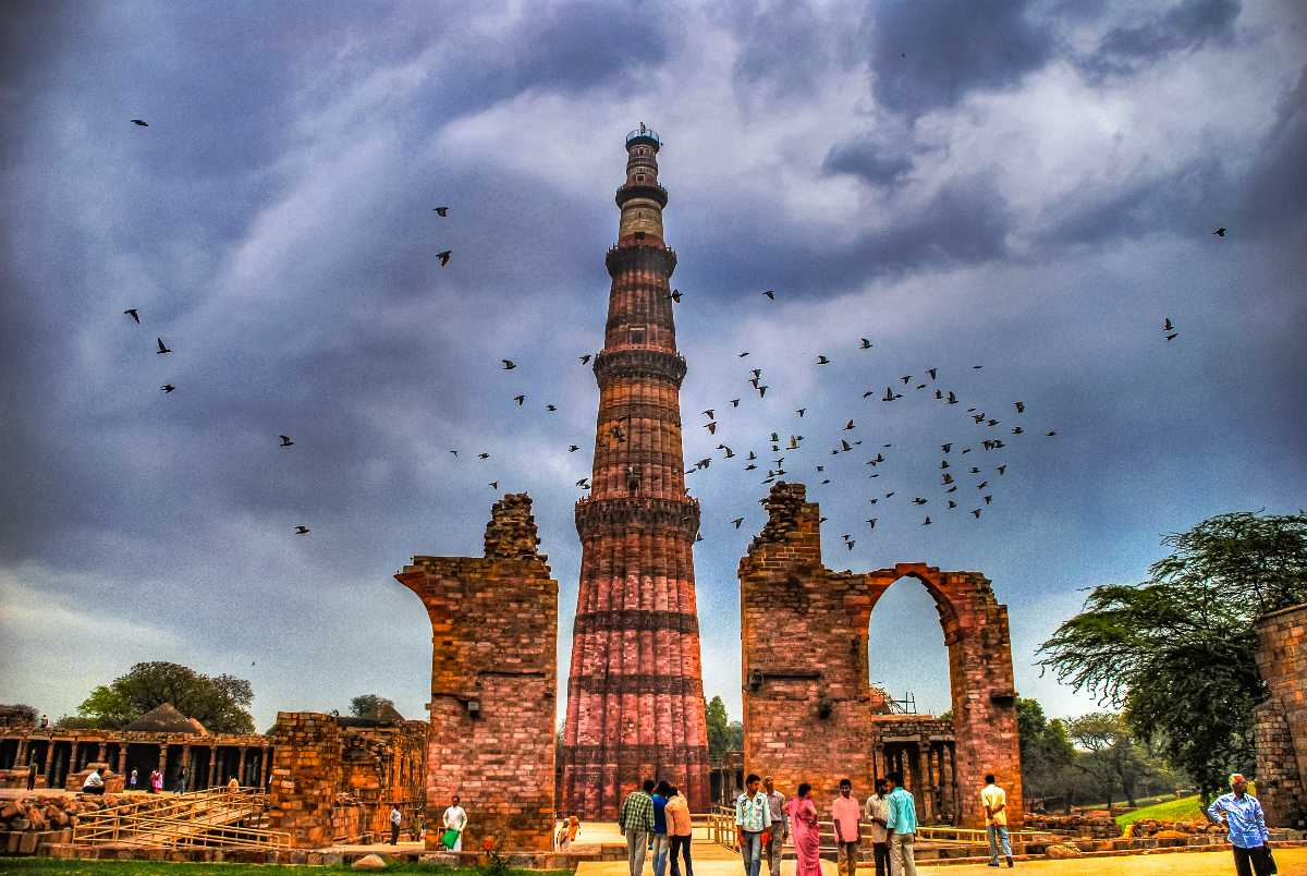 Qutub Minar - Golden Triangle Tour