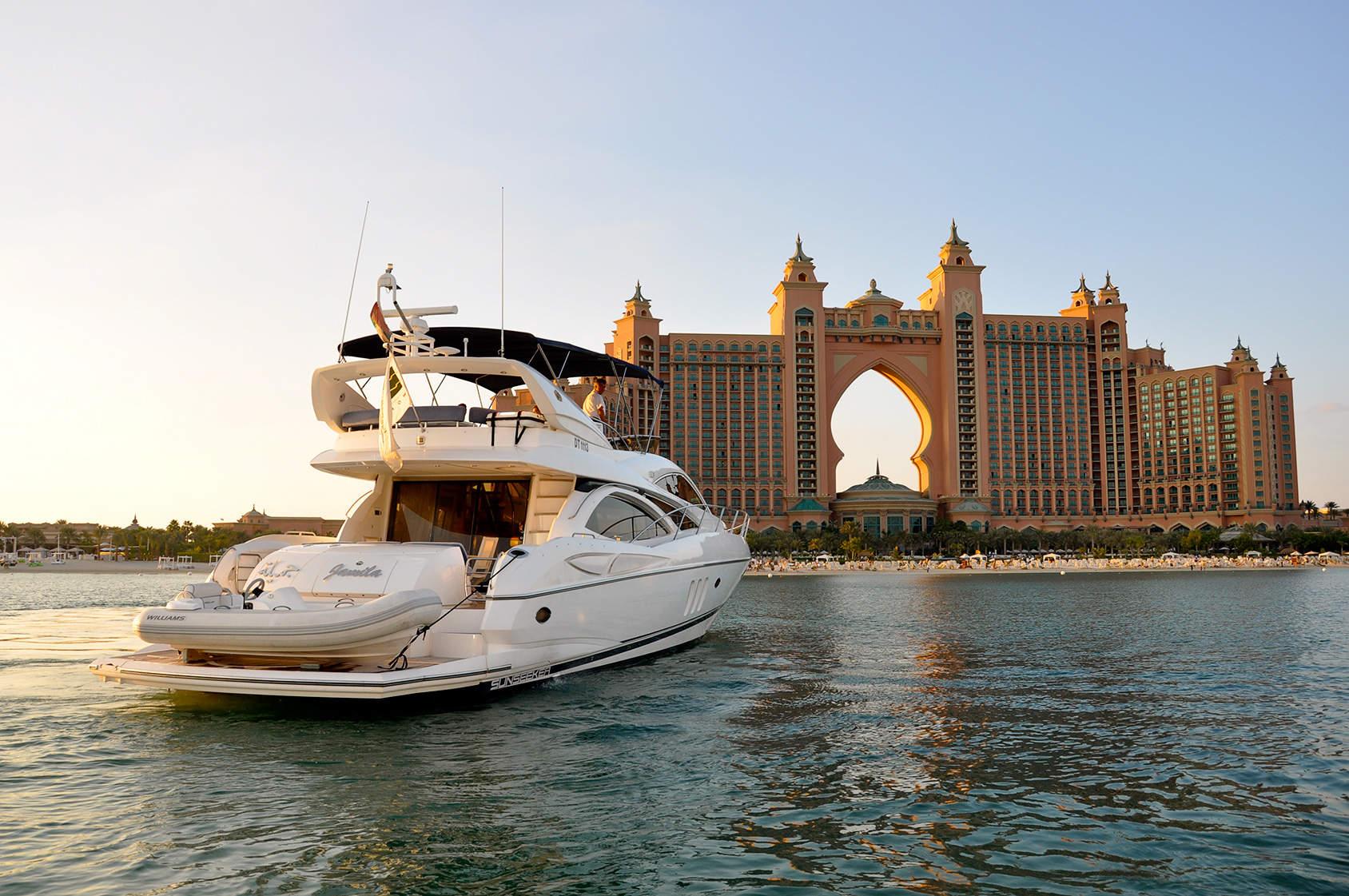 Yacht Chartering in Dubai