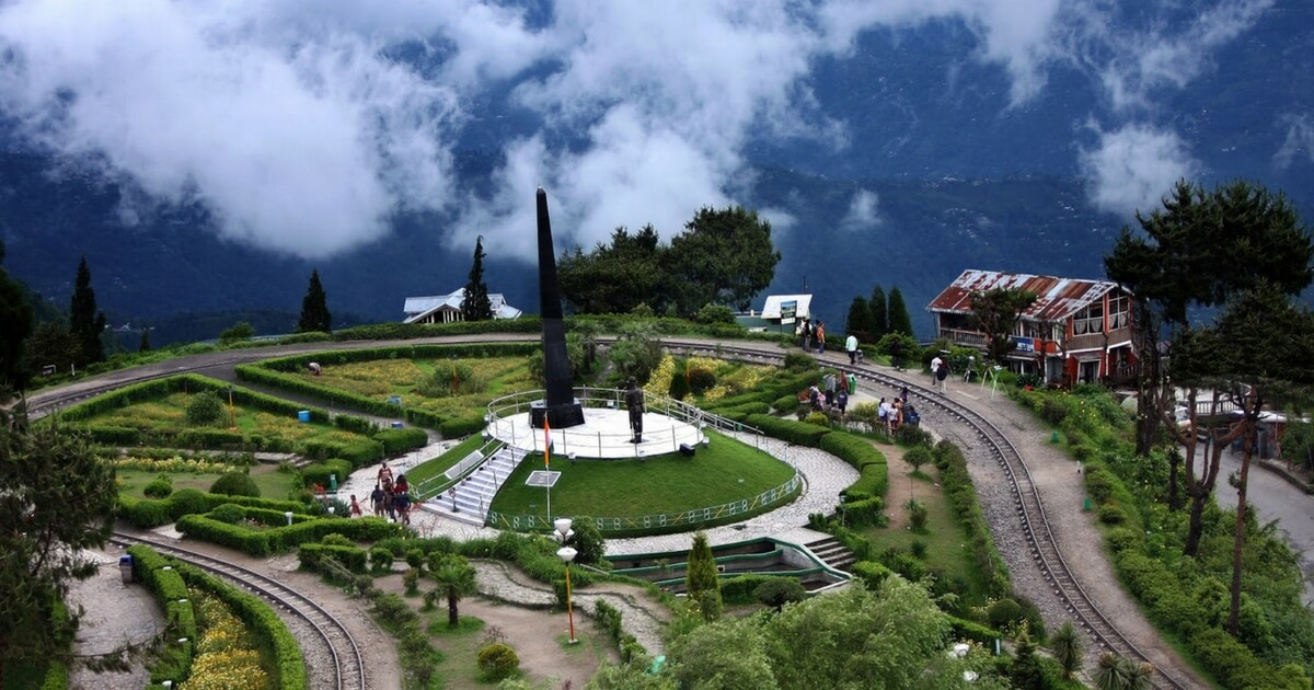 10 Best Places to visit in Darjeeling for Couples