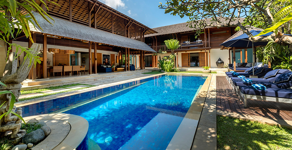 Eye-Catching Villas & Resorts Make A Splash In Bali