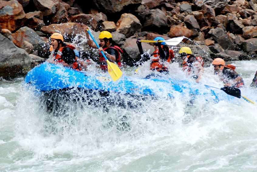 rafting in rishikesh uttarakhand india