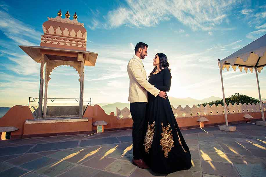 pre wedding photoshoot destinations in udaipur