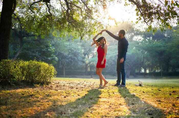 pre wedding photoshoot in Lodhi Garden, New Delhi