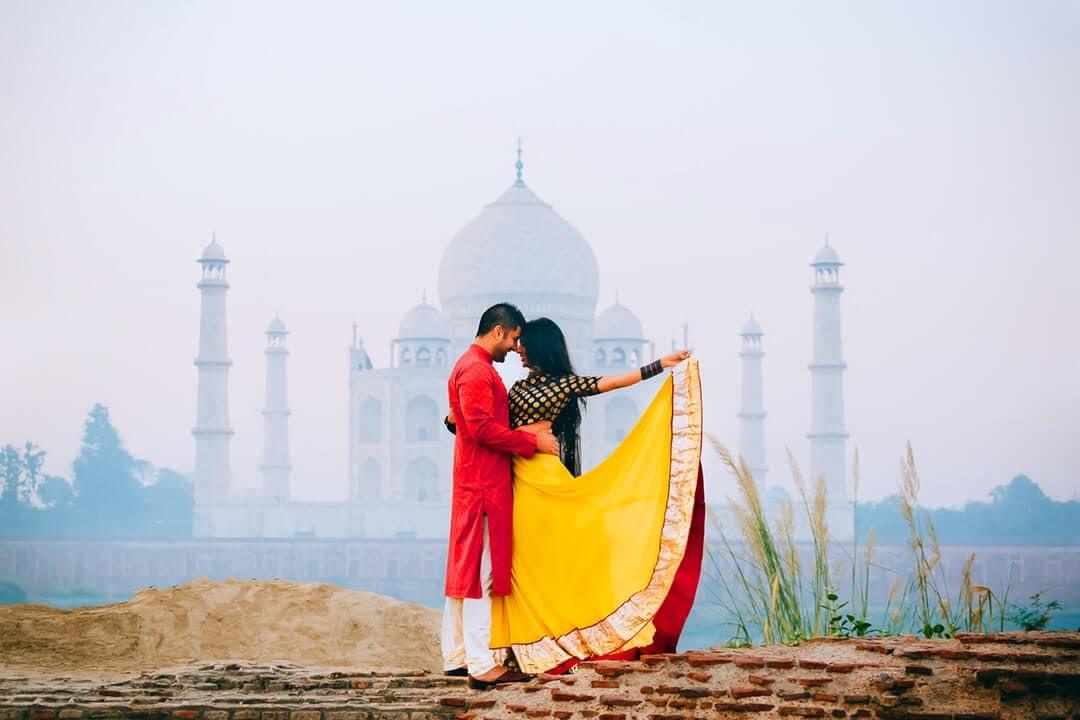 pre wedding photoshoot in Taj Mahal, Agra1