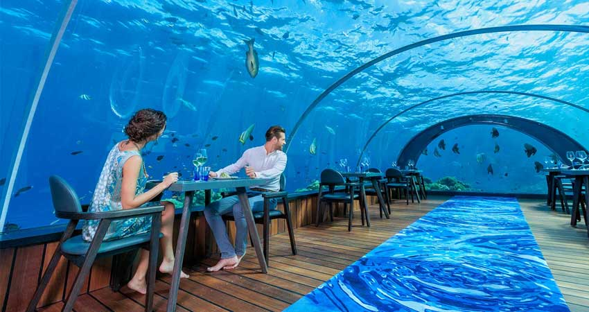 5.8-undersea-restaurant-maldives