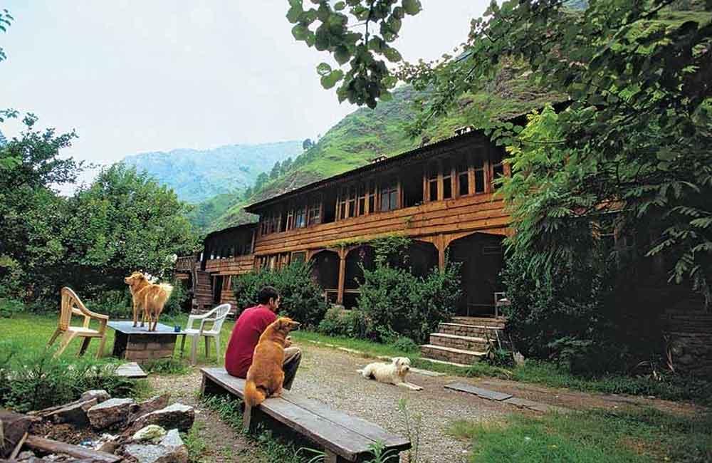 Raju's Cottage, Gushaini
