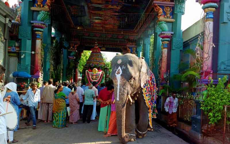 Shopping in Pondy Bazaar pondicherry