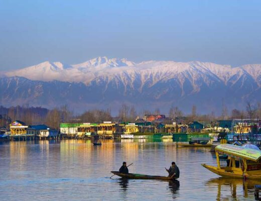 Top 12 Heavenly Places to Visit in Srinagar to Beautify Your Vacations